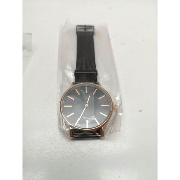 Reloj SM Negro / Dorado Nuevo