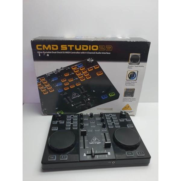Mesa Mezclas Digital Behringer CMD Studio 2a
