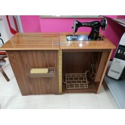 Maquina de Coser Antigua Alfa con mueble