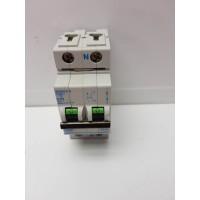 Magnetotermico Jhonson C32 32 Amperios -2-