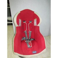 Silla de Auto Chicco Color Blanco y Rojo